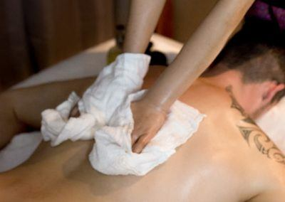 thai-deep-tissue-oil-massage-includes-hot-stone-1