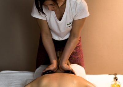 thai-deep-tissue-oil-massage-includes-hot-stone-4