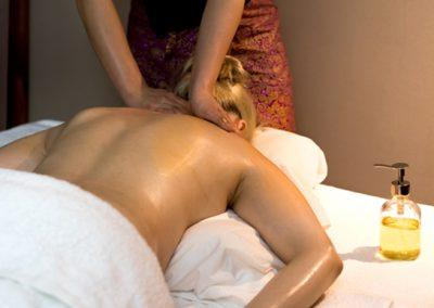 thai-relaxation-oil-massage-4