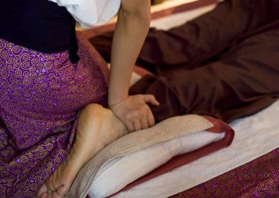 traditional-thai-foot-massage-1