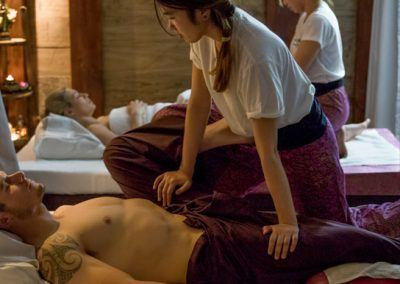 traditional-thai-foot-massage-3